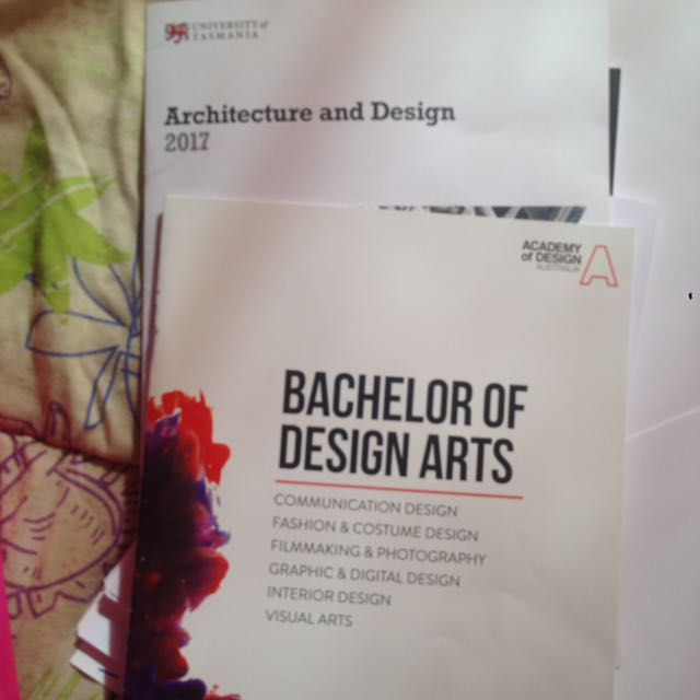 Several Uni & TAFE Coirse Guides Free For Pick Up