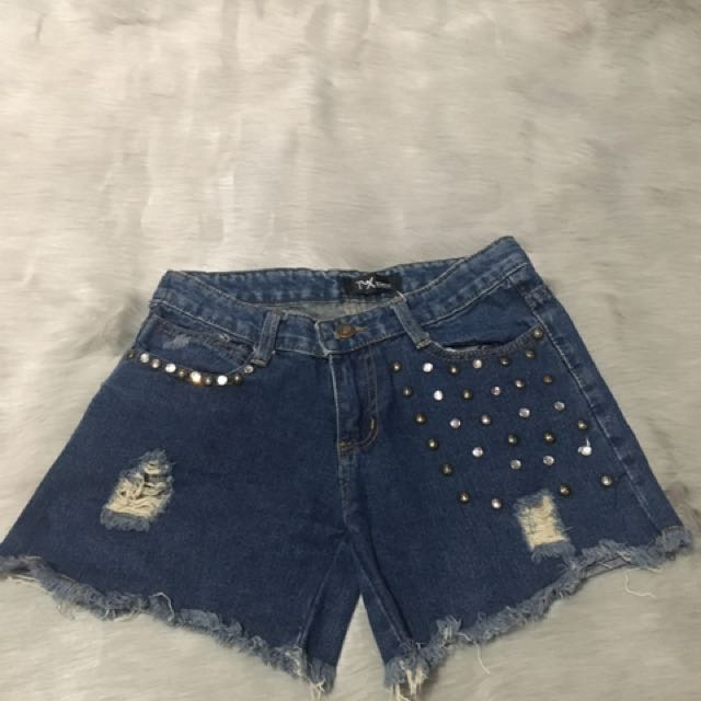 Short Pans Jeans With Sequin