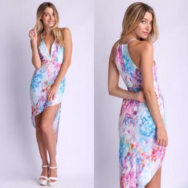 Size 6   Floral Essence Midi Dress