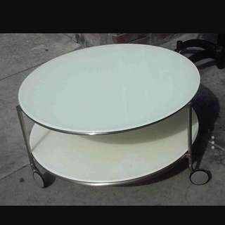 WHITE GLASS  COFFEE TABLE  ON WHEELS