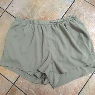 Sirens Green Loose Shorts