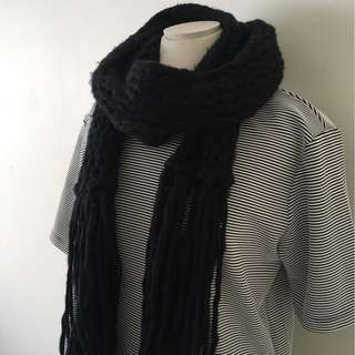 KNITTED WOOLEN SCARF - SO WARM THIS WINTER