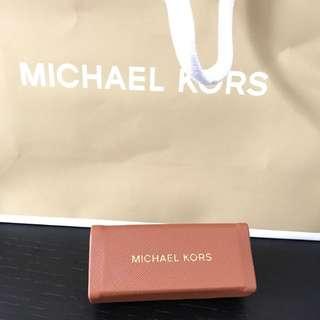 💄(BN) Michael Kors Lipstick Holder