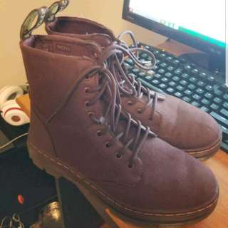 Doc Martens Combs Size 9