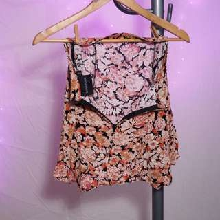 SALE BULK CLOTHING ITEMS. DRESSES MINI & MAXI SKIRTS SHOES TOPS (mink pink, roxy, vonzipper, subtitled, nike, lipstik, windsor smith) FLORALS, DENIM, PATTERNS !!! Prices are negotiable! Get it cheap! MUST GO LADIES! FREE POSTAGE