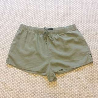 Forever21 Green Shorts (large)