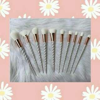 10pcs. White Unicorn Brush 💝