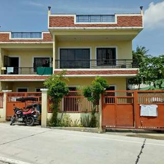 house and lot with furnitures and 2 centralize aircon