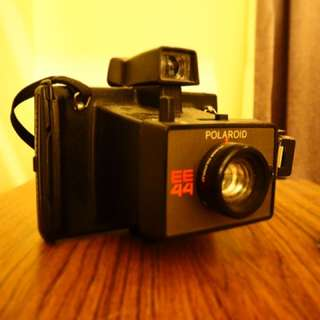Polaroid EE44(an Old Instant Camera )