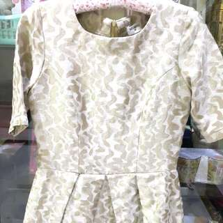 Dress Gold Size M Besar