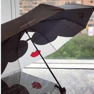 Vogue Taiwan X Alice+Olivia品牌經典頭折傘