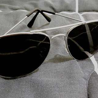 Trendy Sunglass