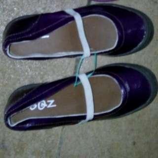 Sepatu Balerina Warna Ungu Hanya Beda List