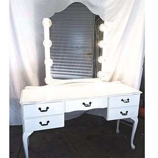 Makeup Mirror & Table