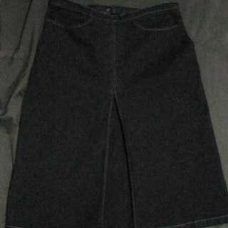 UNIQLO Skirt/below the knee