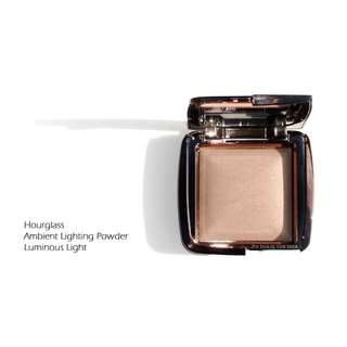 Hourglass Ambient Lighting Powder (Luminous Light)