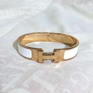 Hermes Paris Duplicated Clic H Women's Narrow Bracelet Accessory in Enamel, gold plated