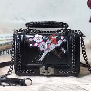 DANILI (Embroidered Chain Cross Body Bag)