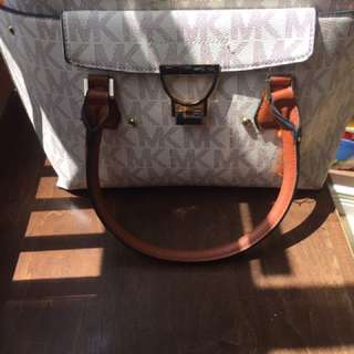 **REDUCED** Gently Used Michael Kors Purse