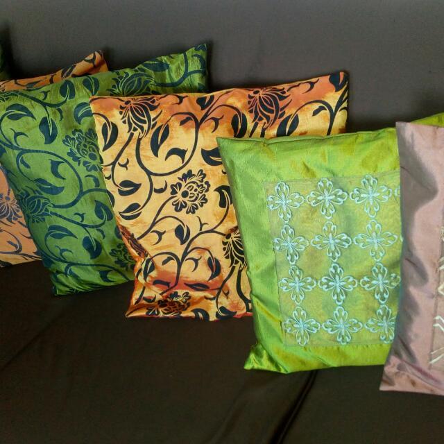 6 Cushions