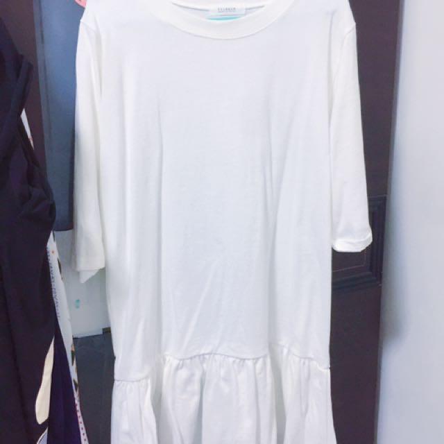 全新小魚尾白色洋裝