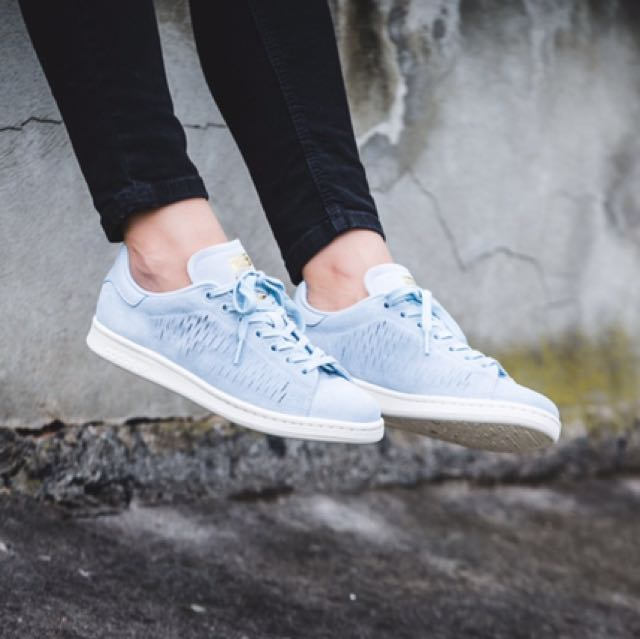 super popular d018e 7d20a Adidas Stan Smith Suede - Easy Blue, Women s Fashion, Shoes on Carousell