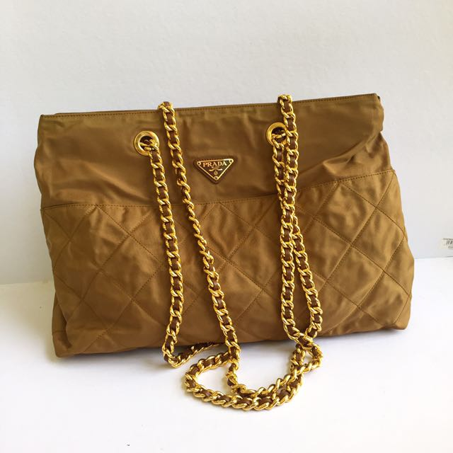 auth prada tessuto nylon quilted large chain bag, Luxury, Bags   Wallets on  Carousell 4cc38147a0