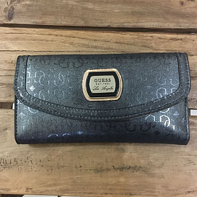 AUTHENTIC GUESS Los angeles wallet