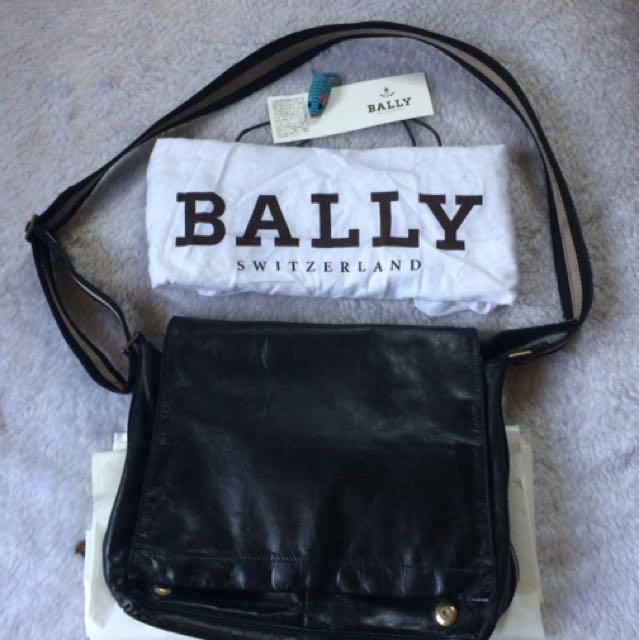 Bally Tiganello Messenger Bag