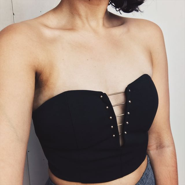 Black Crop Top With Metal Bar Detail
