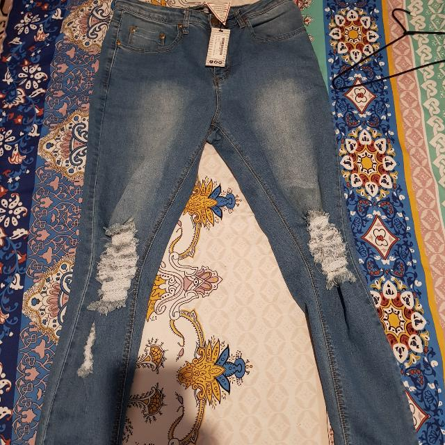 Boohoo Size 16 Ripped Knee Jeans BNWT