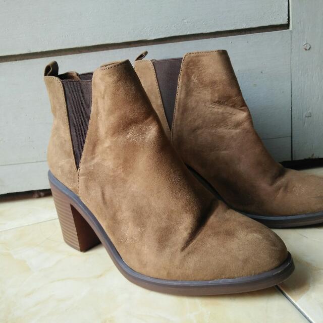 Boots Stradivarius Size 38