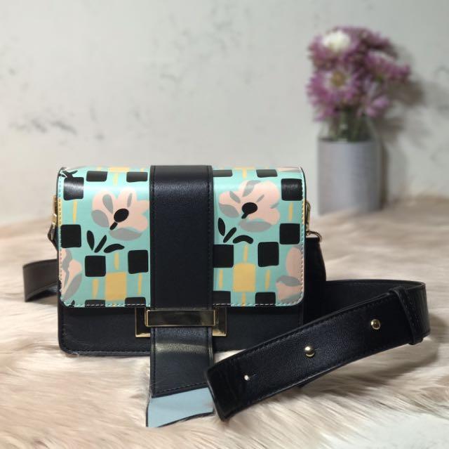 DAISY (Flap Cross Body Bag)