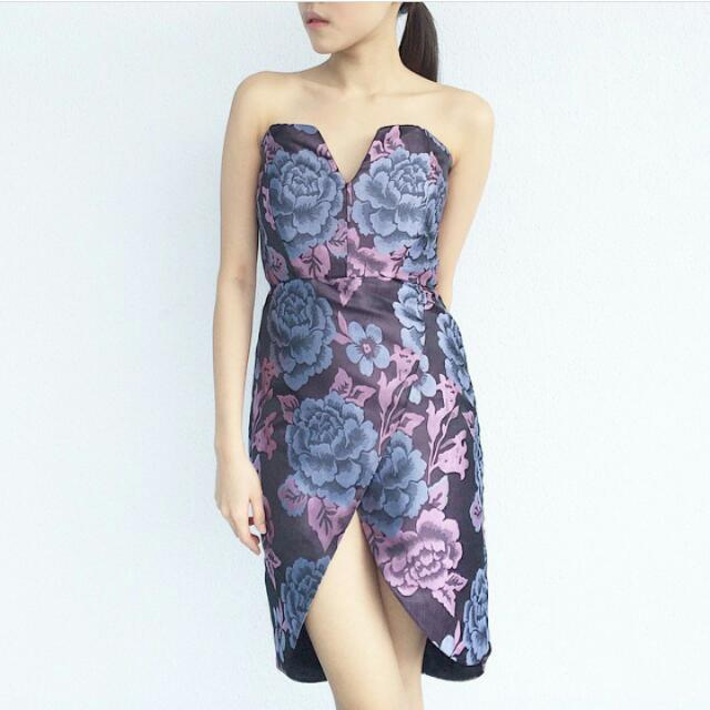 DICARI!! Tube Dress Brand Skipthelabel