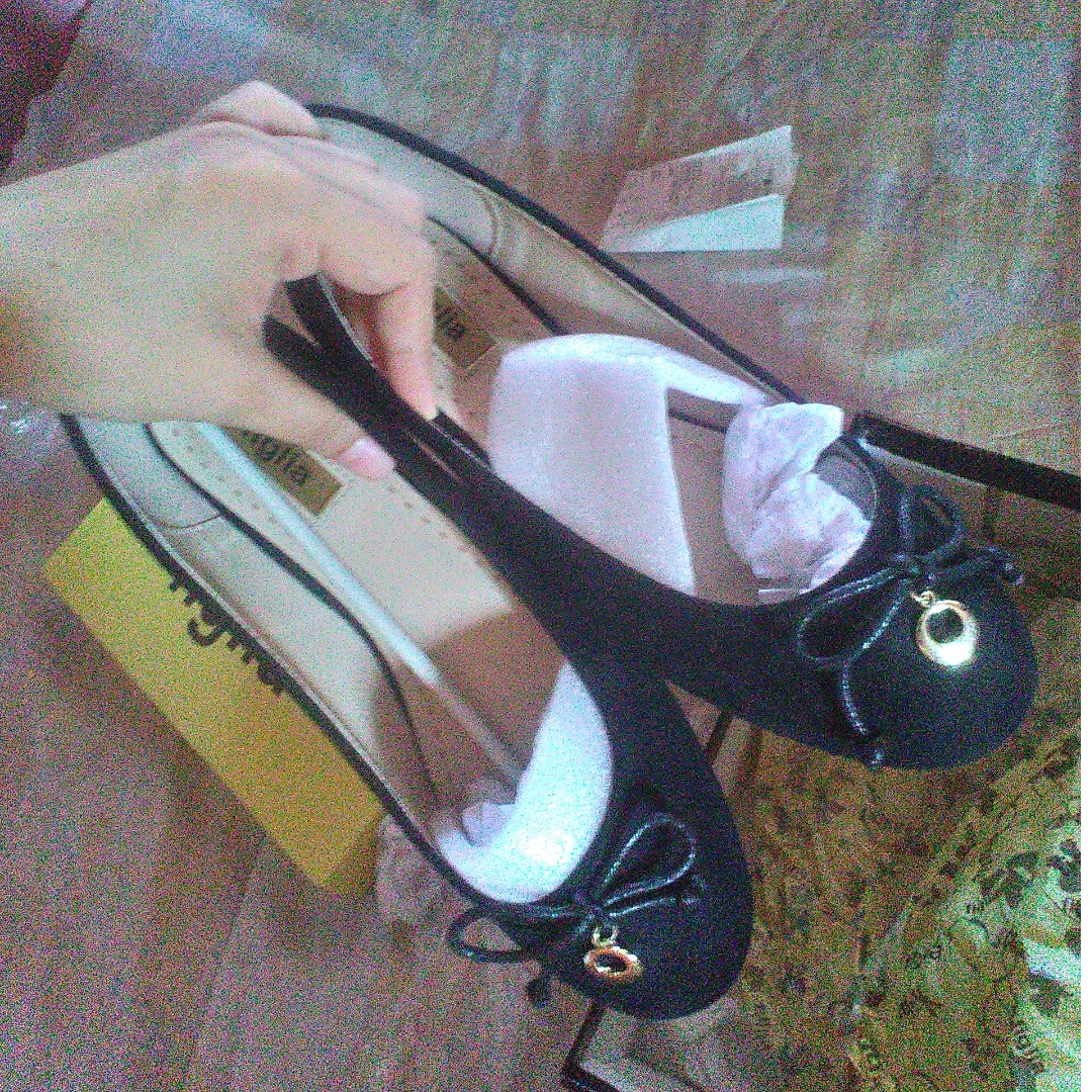 Figlia Black Flat Shoes