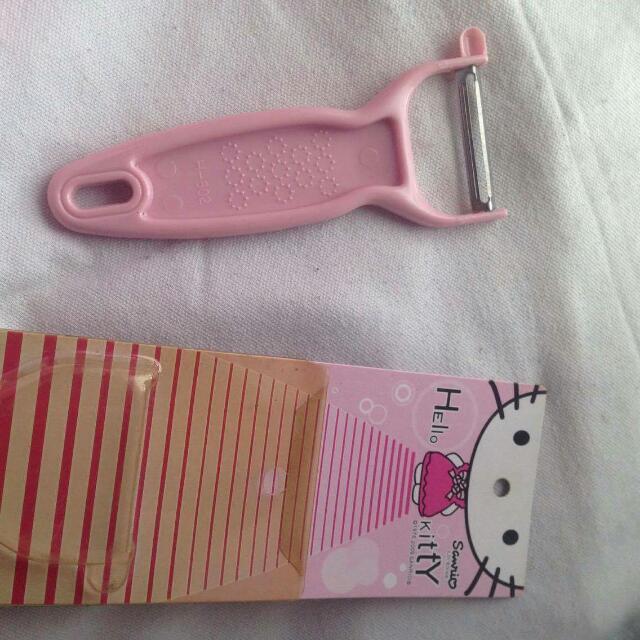 Hello Kitty Peeler