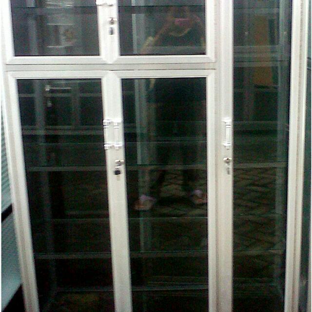 Lemari Serbaguna Aluminium 3 Pintu Frame Putih Kaca Riben Home