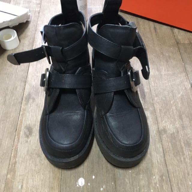 Lipstik Cut Out Boots-demand-size5