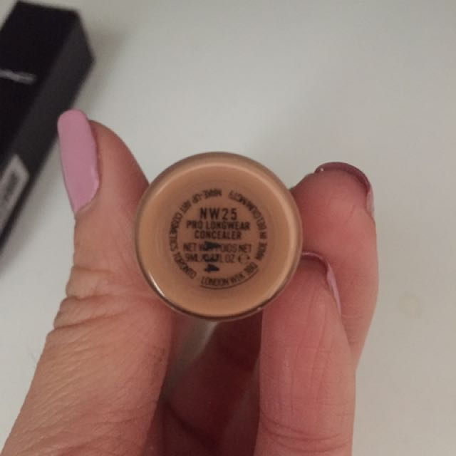 Nars prolong Concealer NW25