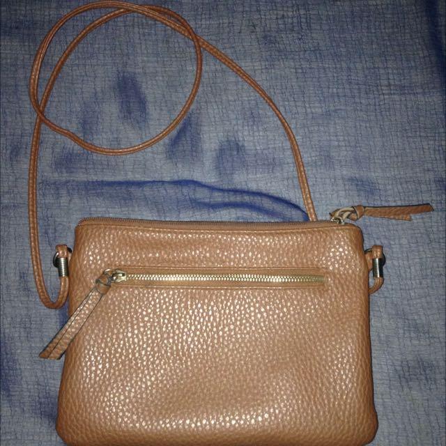 new look slingbag