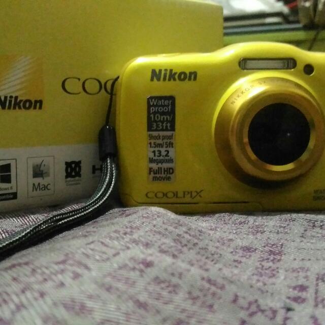 Nikon COOLPIX  S32 underwater camera REPRICED