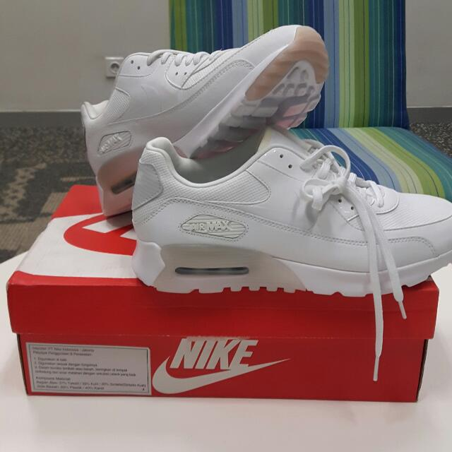 the best attitude 55842 552d0 Nike Air Max 90 Ultra Essential - White Platinum, Womens Fashion, Womens  Shoes on Carousell