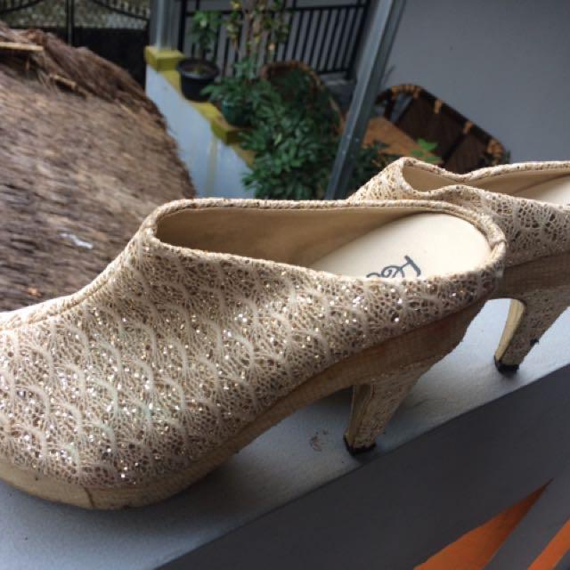 Sepatu Brukar