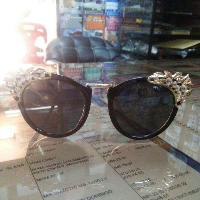 Steffi Cheon/ Cat eye glasses