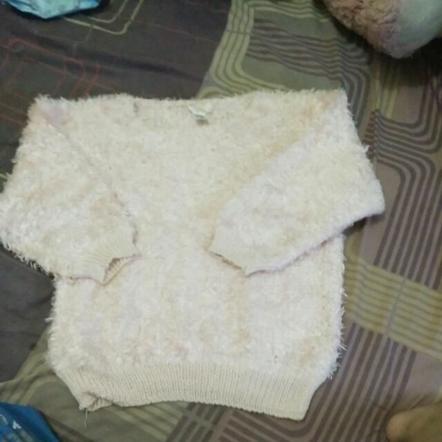 Sweater Bulu Tebal