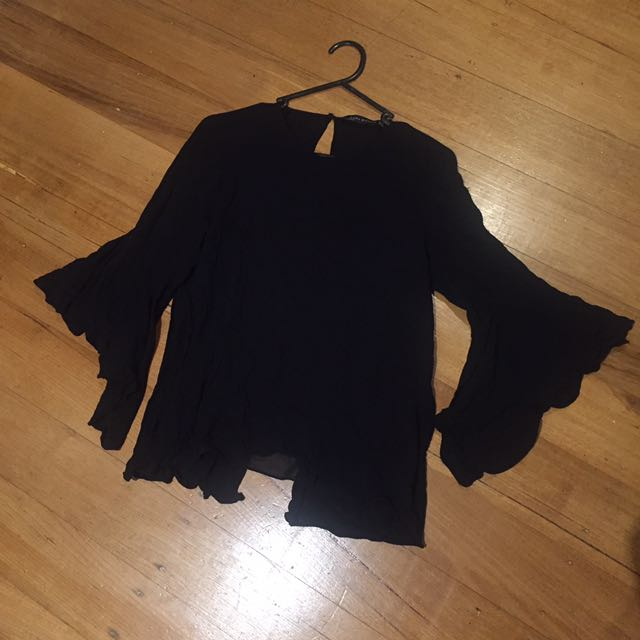 ZARA Top Flared sleeves