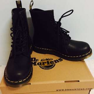 Dr Martens八孔女靴 全新正品