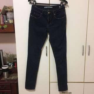 Zara 星星拼貼低腰窄管牛仔褲