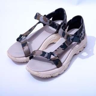 i.t. PUZZLE Sandals EU 37