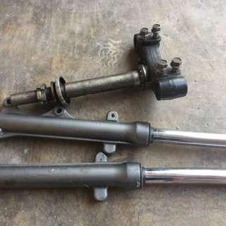 Fork & Tapak 3 Yamaha LC135
